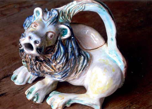 White Lion teapot